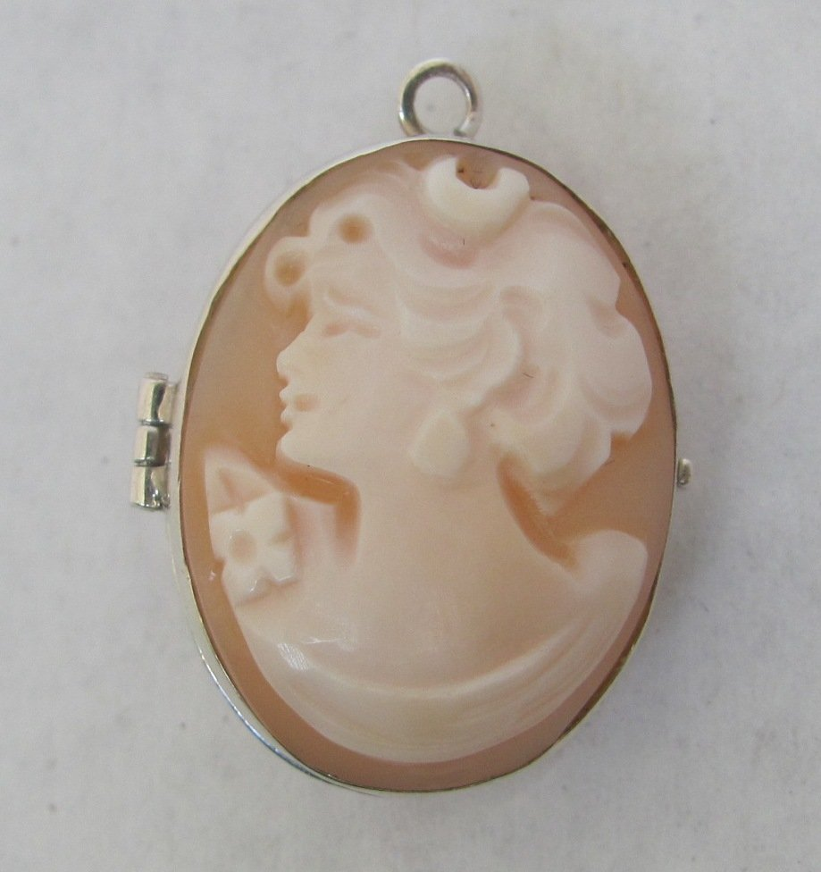 .925 Sterling Silver Cameo Locket Pendant
