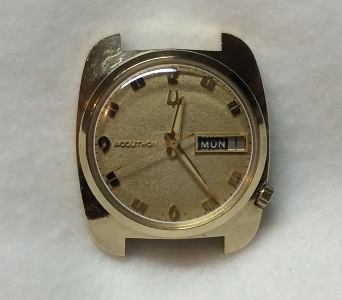14KT Bulova Accutron Men Wrist Watch