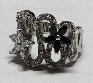 .925 Sterling Black and White Flower Ring - Size 7