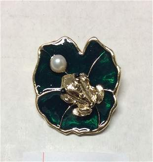 The Lucky Frog with Genuine Pearl and Green Enamel Pin