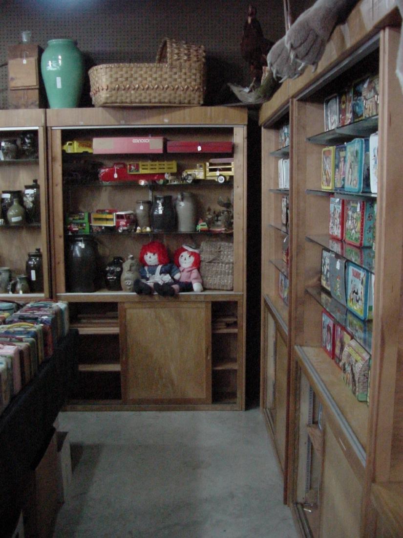 Retro Vintage Wall Display Store Fixtures Wax Museum