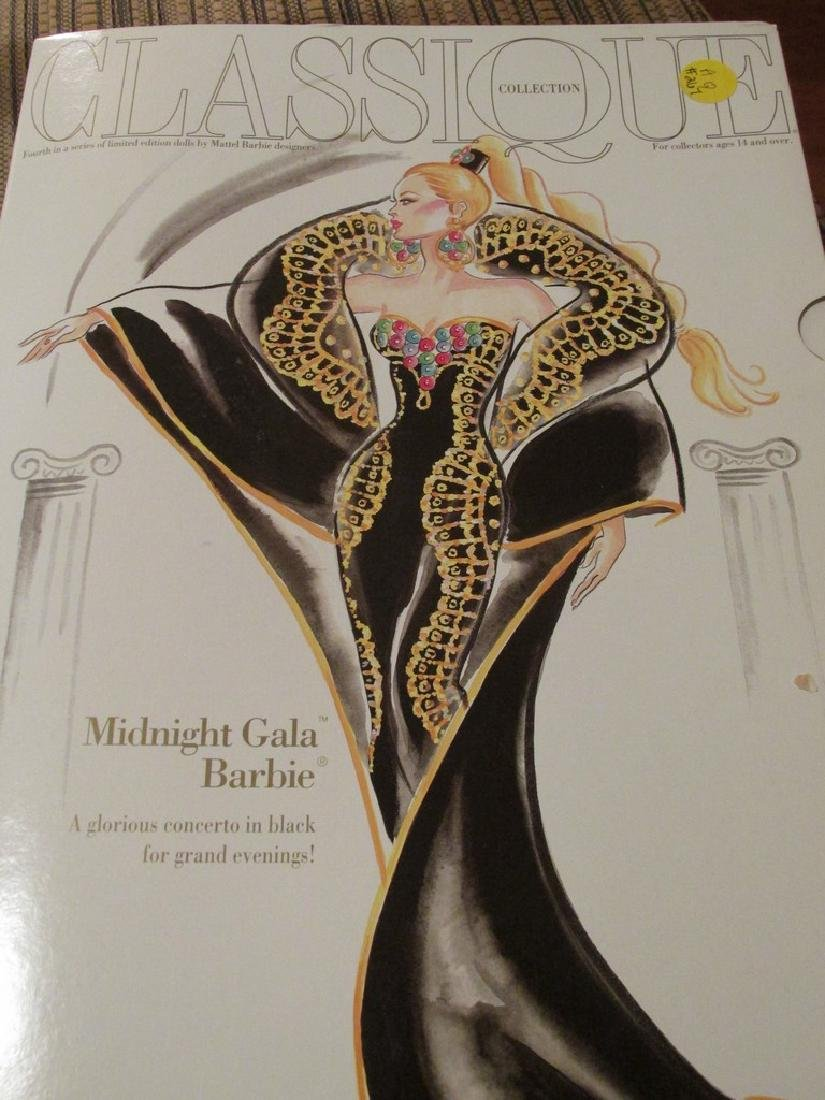 Midnight Gala Barbie – black velvet gown with metallic - 5