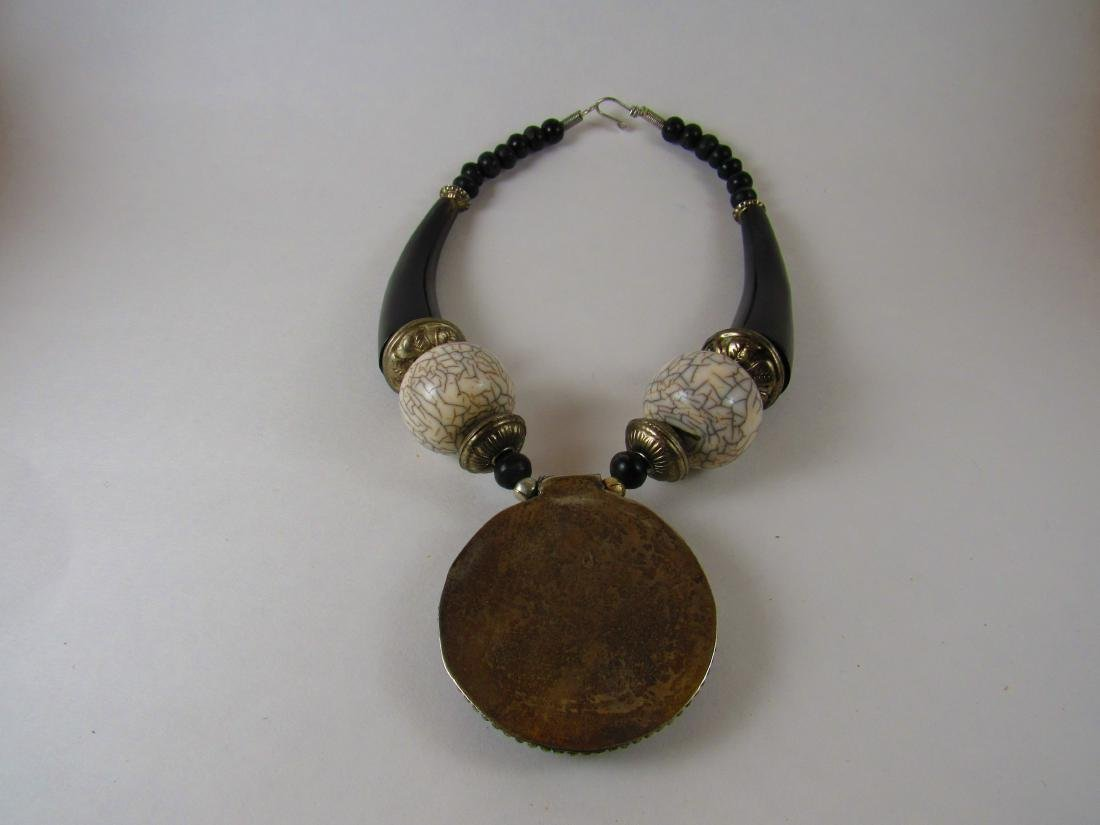 Bohemian necklace with horn look