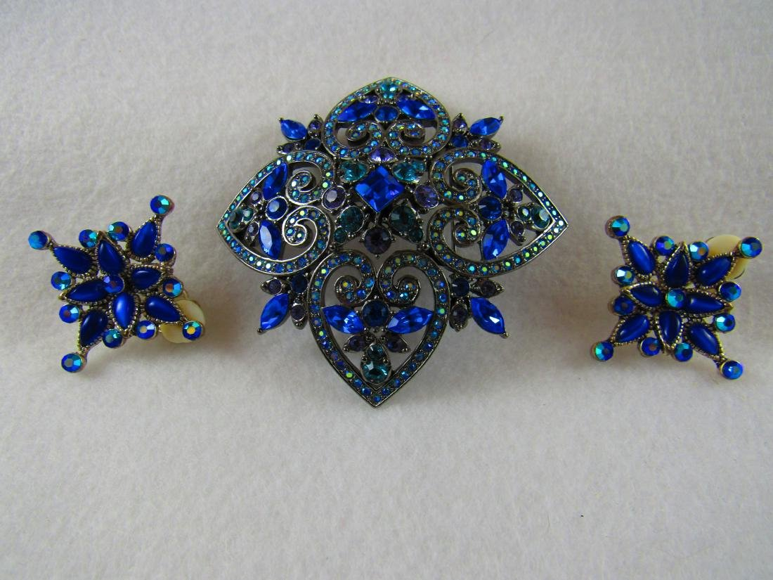 Joan Rivers large brooch