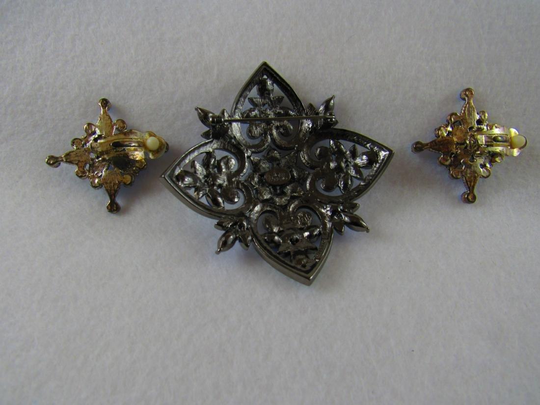 Joan Rivers large brooch - 2