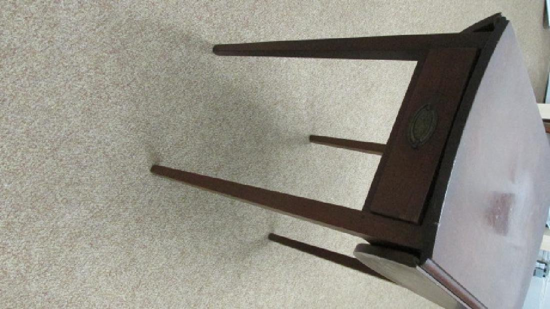1930s Mahogany Drop Leaf End Table - 4