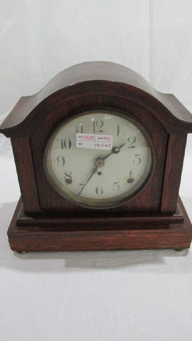 Seth Thomas Faux Grained Small Mantle Clock