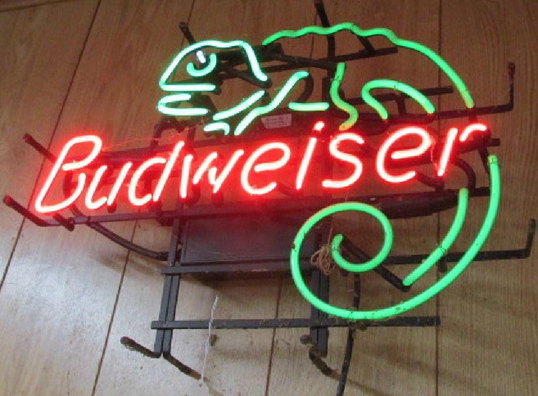 Budweiser w/Lizard Neon Sign