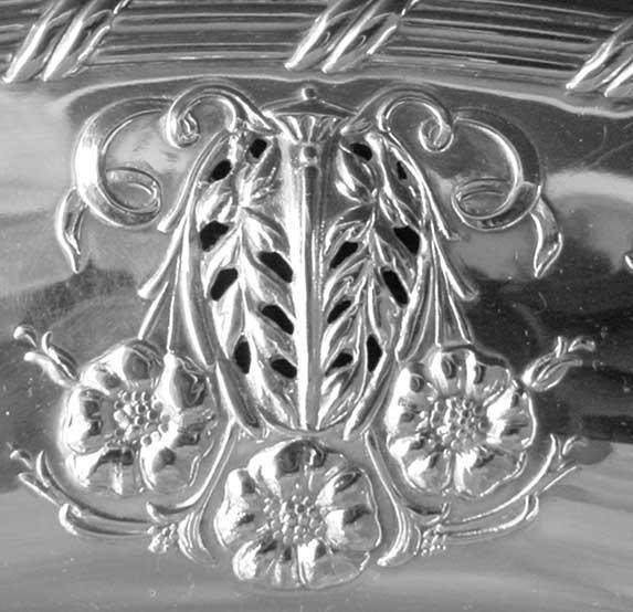 2265: Ardsley Tudor Plate Oneida Community # 2020 Large - 3