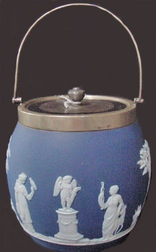 15: A Wedgwood Biscuit Barrel