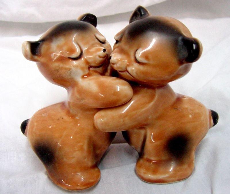 Van Tellingen Bear Hug Pottery