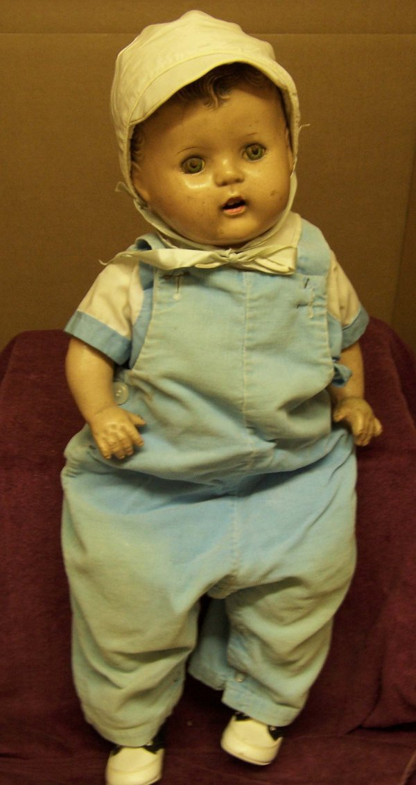 8: Composition cloth body baby doll