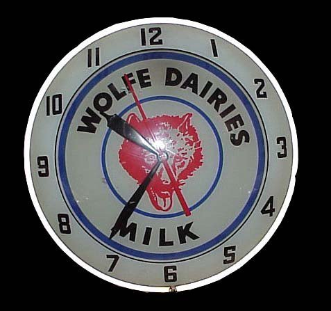 2009: Wolfe Dairies Milk Advertising Clock