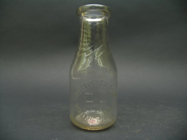 1016: Hassenteuffl Dairy, Raritan Township, Milk Bottle