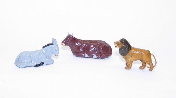 1003: (3) Paper Mache Animals