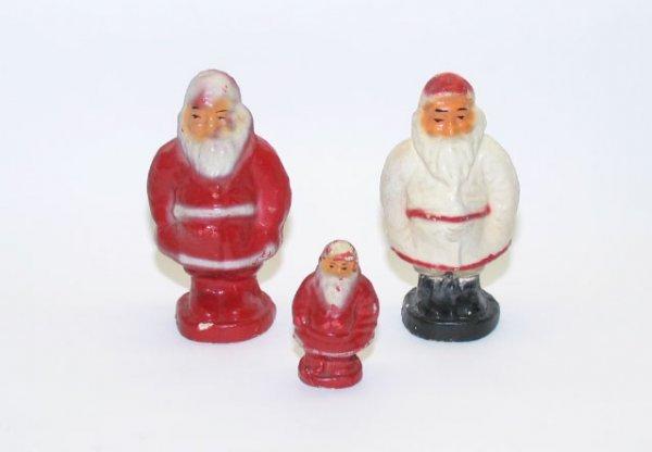 1010: (3) Paper Mache Santas