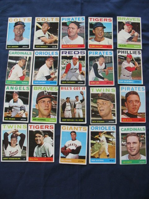 9: 1964 Topps Baseball Card Grouping