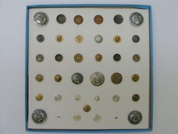 4001: 35 Buttons, Metal, Modern