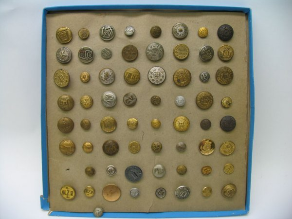 4004: 64 Buttons, Metal, For Railroads and Uniforms