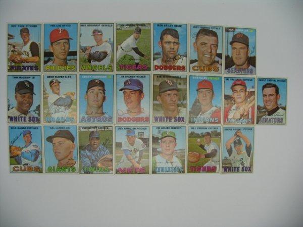 6024: 1967 Topps High Grade Baseball Card Grouping