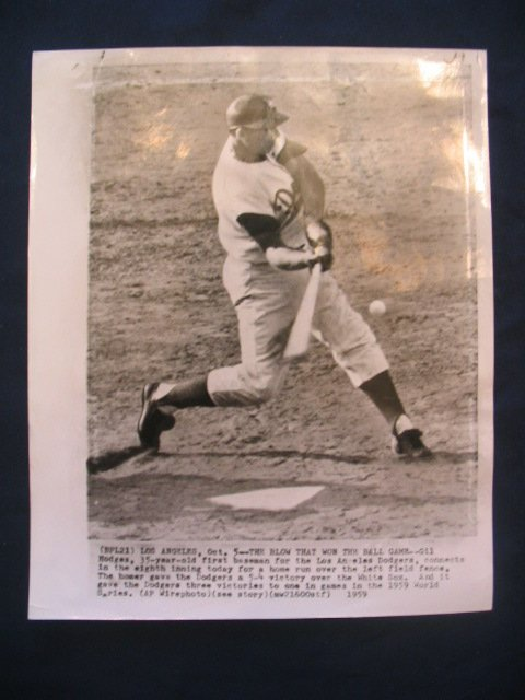 1017: Gil Hodges World Series Wire Photo 10/05/59