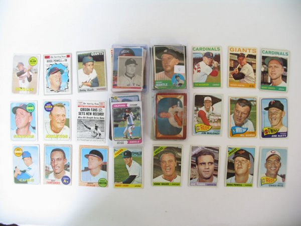 "2008: Baseball Card Lot of More Than ""125"""