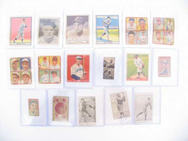 9: Pre-War Vintage Baseball Card Grouping