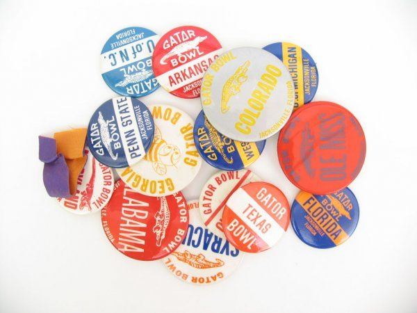 19: College Football GATOR BOWL Pin Back Buttons