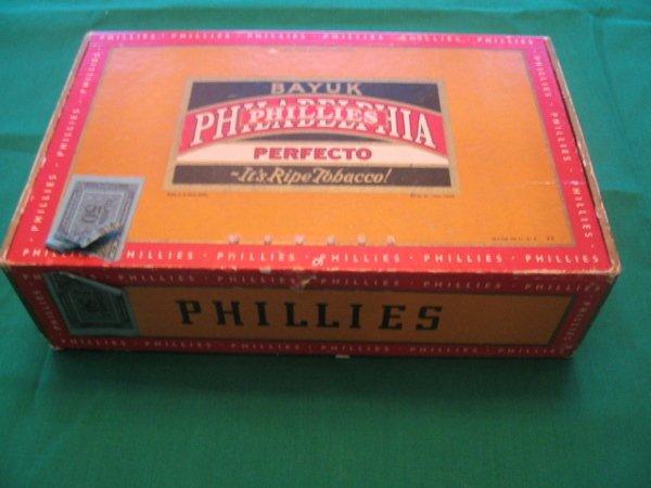 1017: Philadelphia Phillies Cigar Box  w/Tobacco Stamp