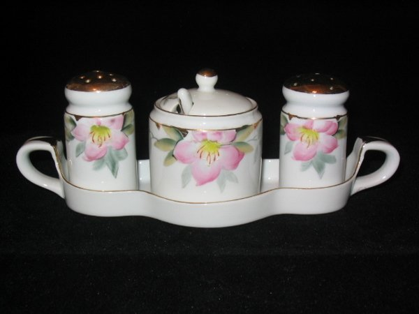 5009: Noritake Azalea Condiment Set. Tray, Salt, Pepper