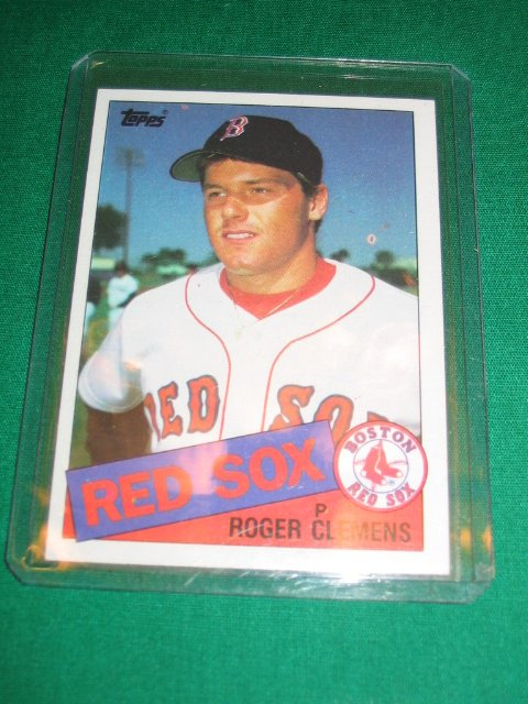 12: Roger Clemens 1985 Topps ROOKIE Card