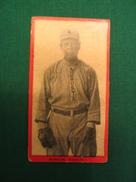 21: NORCUM 1910 T210 Red Border Old Mill Tobacco Card