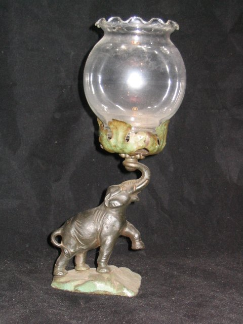 4008: Cast Elephant Base Candle Lamp