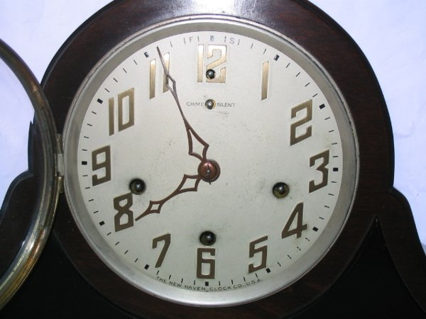 4099: The New Haven Clock Co, Orleans Mantel Clock - 2