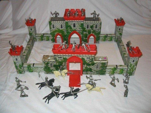 3001: Tin Litho Castle Play Toy Set