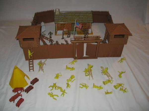 3007: Tin Litho Fort Apache by Marx Toy Set