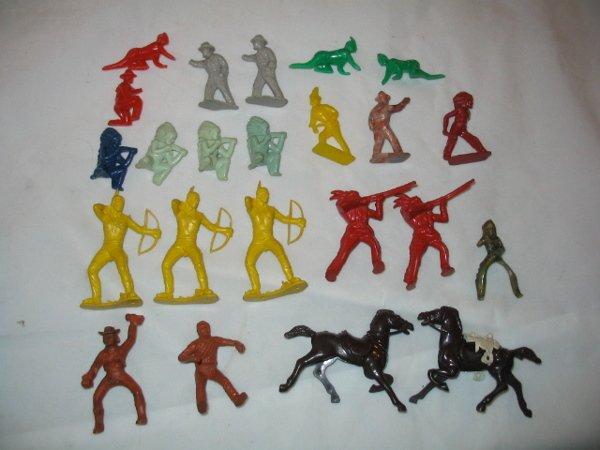 3018: 1950's Plastic & Rubber Toy Figures