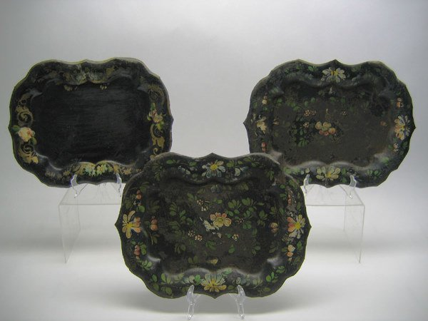 512: Lot of 3 Japanned Toleware Scalloped Edge Tray