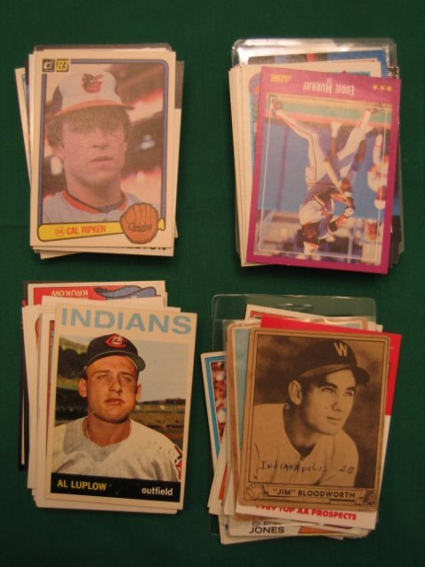 "1023: Baseball Card Lot of More Than ""100"""