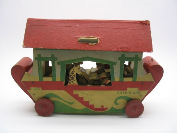 2015: Bum Pa Toys Noah's Ark Wooden Pull Toy