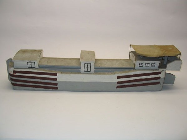 2184: Wooden Canal Boat Model Toy