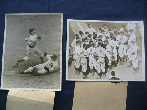 14: (2) 1939 Wire Photos Featuring Hall of Famers Bill