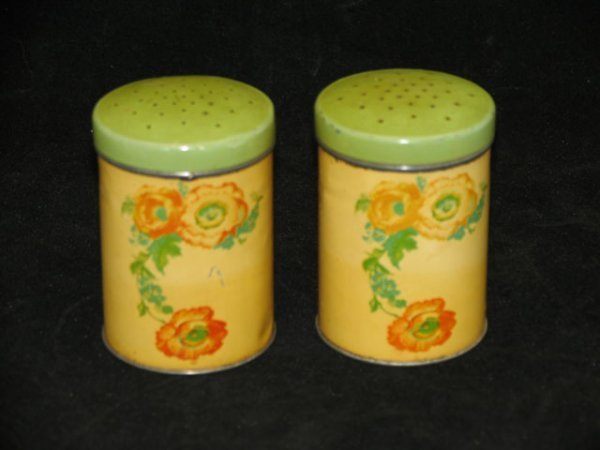 9: 2 Halls Poppy Tin Shakers