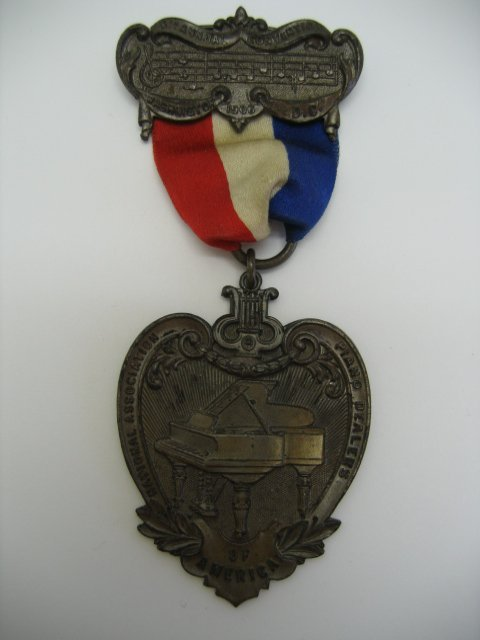 3014: Piano Dealers Convention Medal