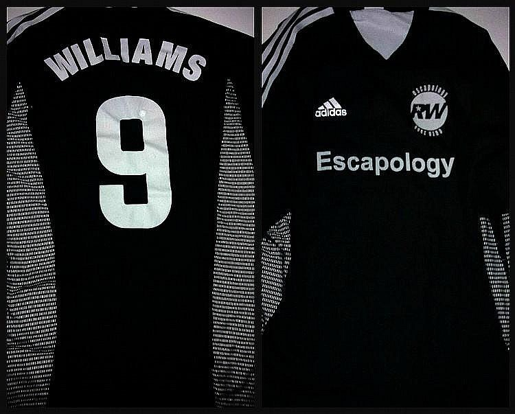 ROBBIE WILLIAMS ESCAPOLOGY SOCCER JERSEY.