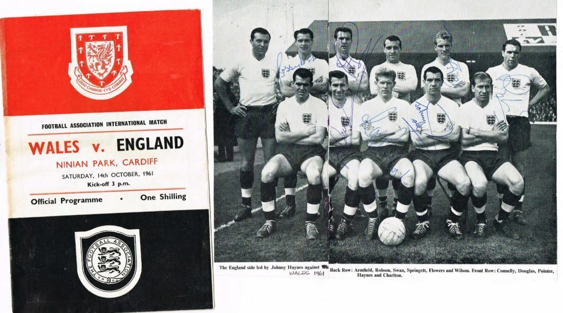 ENGLAND FOOTBALL SIGNED PICTURE.