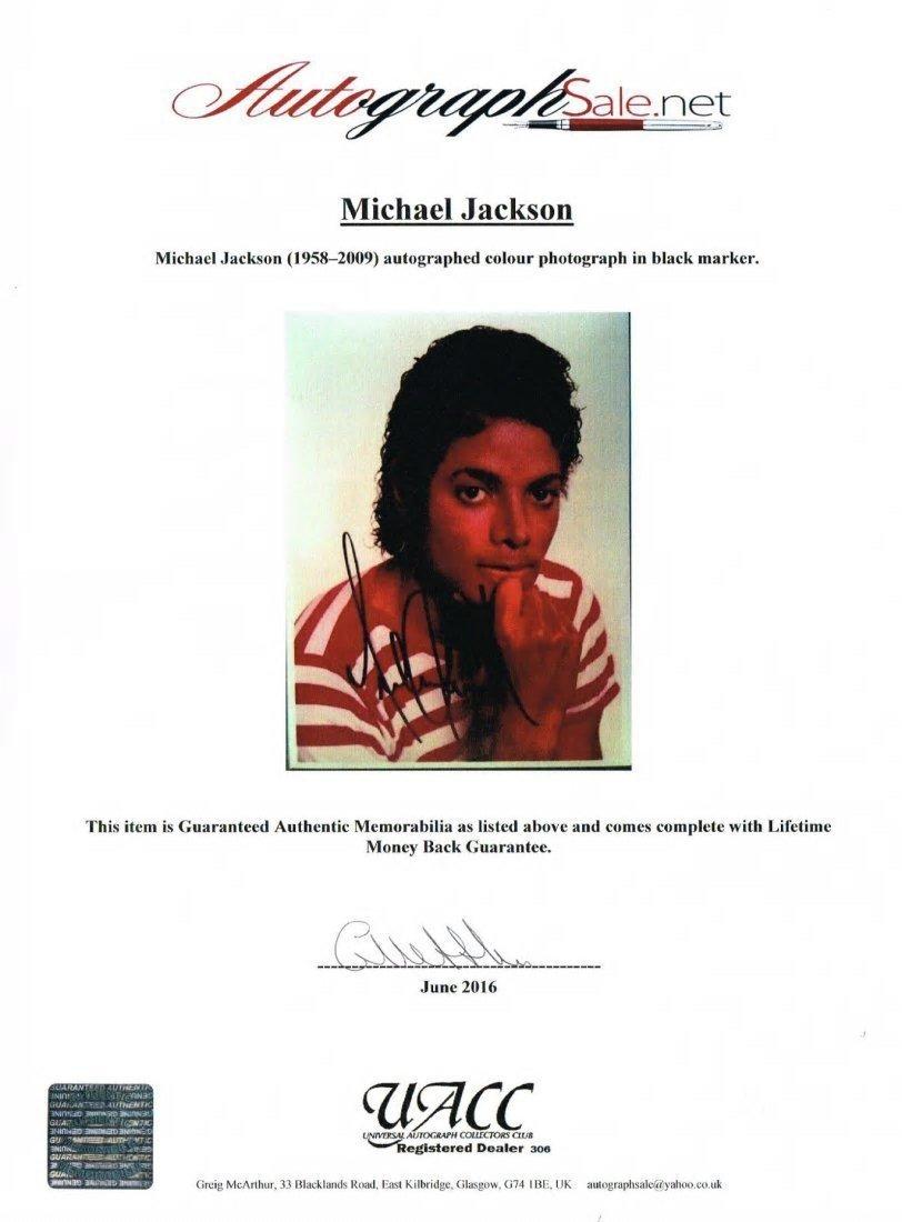 MICHAEL JACKSON SIGNED PHOTO. - 2