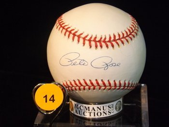 Pete Rose Autographed Baseball.  Rawlings Official MLB.