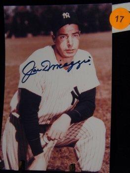 Joe Dimaggio Autographed Photo.  4x6 Color Photo.
