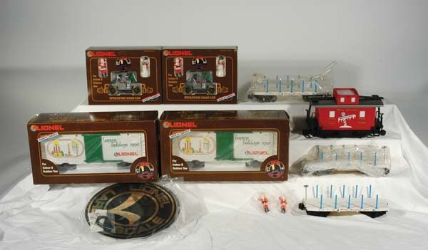 0210: Lionel Christmas Cars (2) 87007 Happy Holidays 19